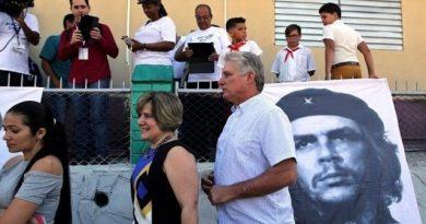 Ново поглавје со стар наратив: Mигел Дијаз Канел е новиот претседател на Куба