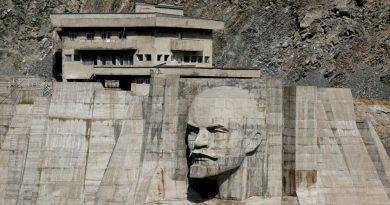 Симбиозната врска помеѓу архитектурата и социјализмот