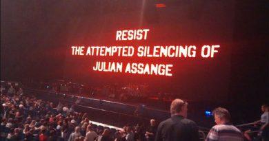 Роџер Вотерс за апсењето на Асанж: Се срамам што сум Британец